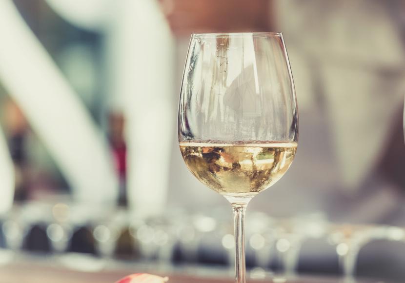 copa-vino-blanco-830×580